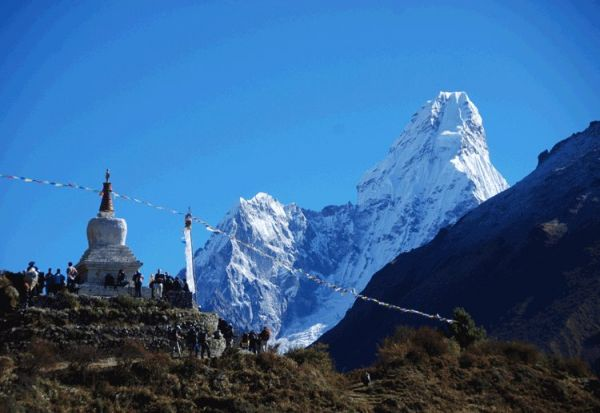 DISCOVER UNIQUE AND THRILLING NATURAL PLACES IN TREKKING